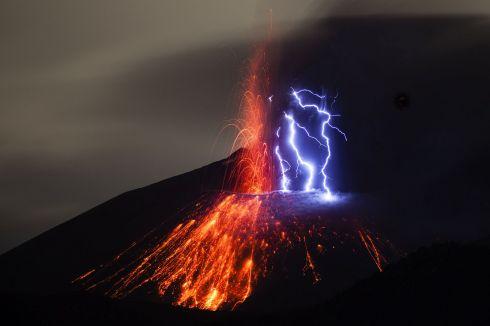 Adrian Rohnfelder - Sakurajima volcano - 1st place - NATURE LANDSCAPES